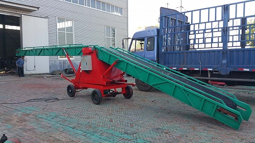 飼料廠裝飼料雙翼式升降輸送機可是幫了大忙