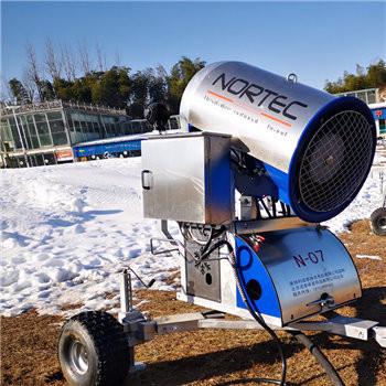 徐州滑雪場輕松造雪 諾泰克造雪機造雪條件