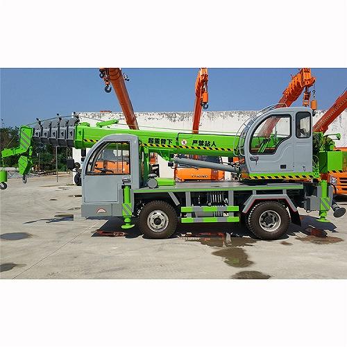 濟寧貴盛優質供應吊車小型吊 20噸自制底盤汽車起重機