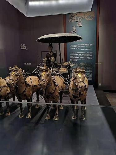 西安典礼大鼎,大中小型铜车马销售