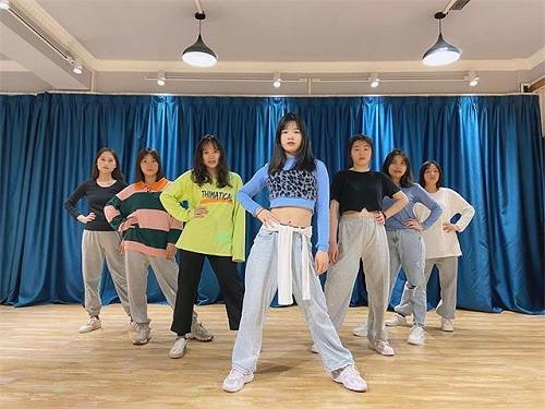 桂林鋼管舞教練舞蹈培訓班