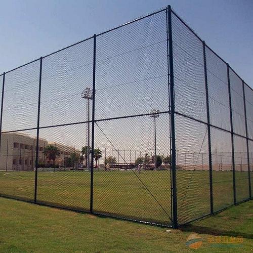 浸塑球场围网篮球场围网厂足球场围网生产厂