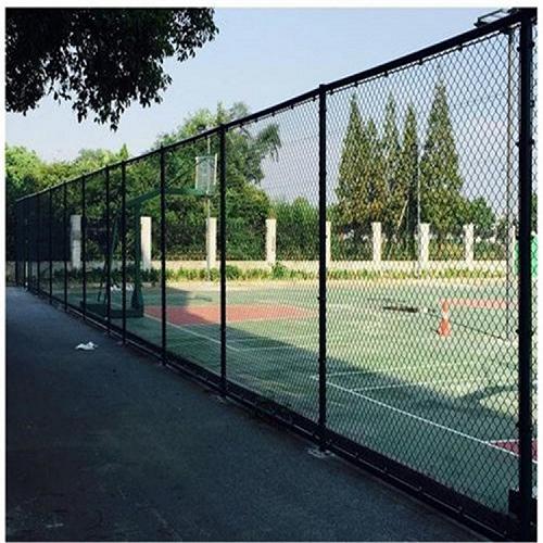 球场围网足球场围网厂家绿色体育场围网销售