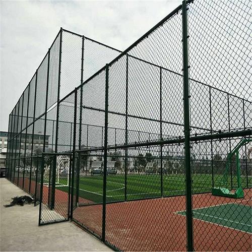 球场围网篮球场围网规格浸塑体育场围网生产