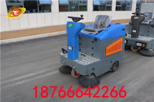 騰陽駕駛式掃地車智能化作業