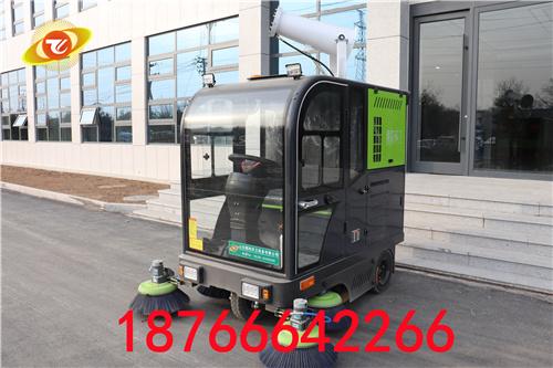 駕駛式掃地車讓物業實現機械化管理