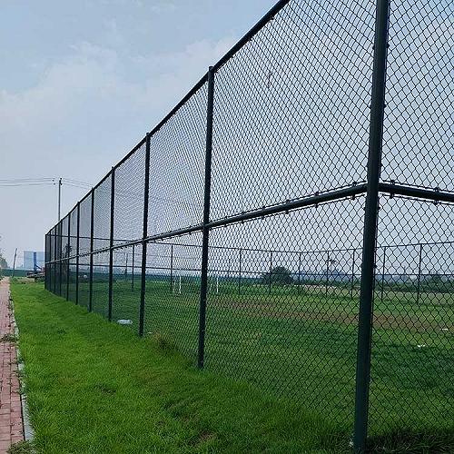浸塑球场围网 体育围栏网 操场防护栏